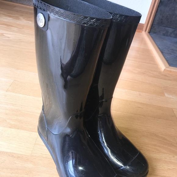 1c41258cfbd3d UGG black size 10 rain boots. M 5b26b496035cf116fd429f22